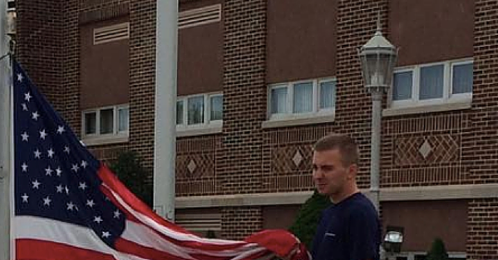 High Schooler Shows American Pride In Remarkable Act That Leaves Mom Stunned