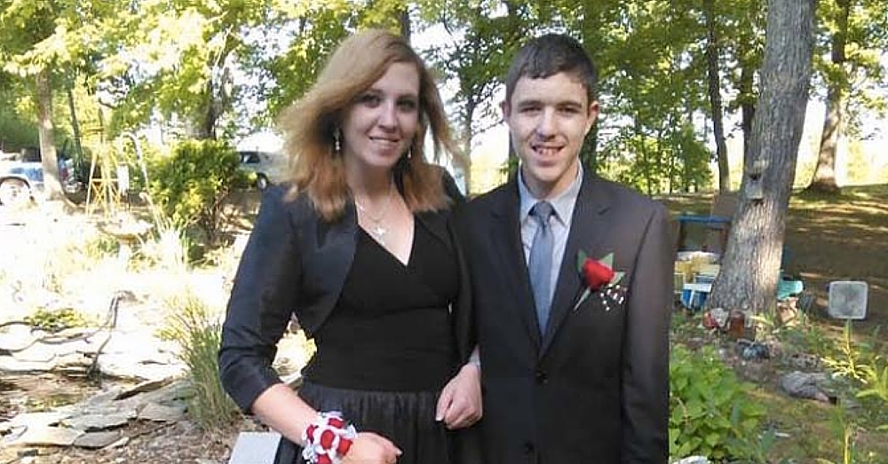 Autistic Teen Brings Sister To Prom, But School Administrators Turn Them Away