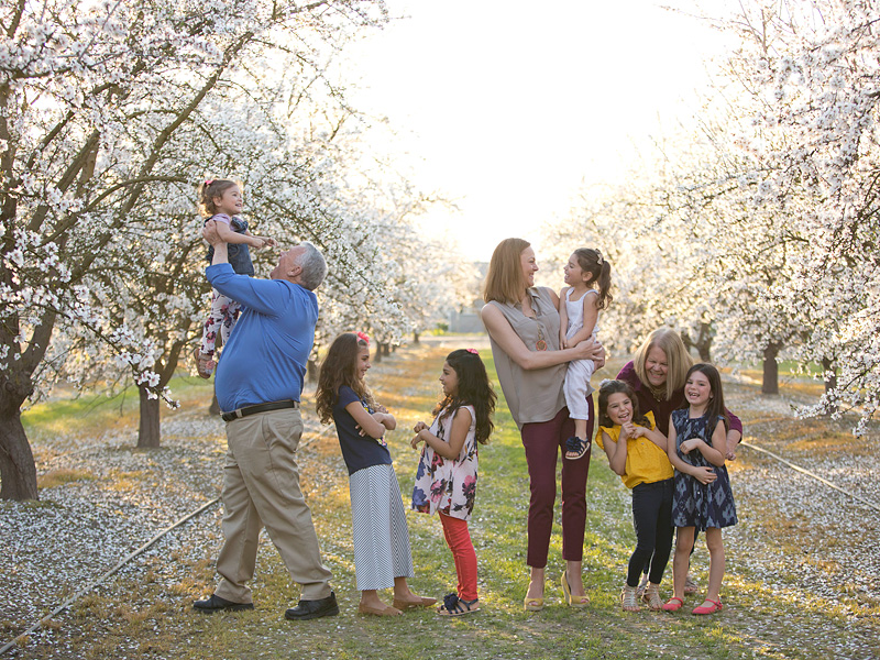 Lacey Dunkin with her parents, Jeri and Ronnie Dunkin, and daughters Sophia, Natalia, Melanie, Kaylee, Lea and Cecily Dunkin. CAPTURE LIFE EVENTS, INC.