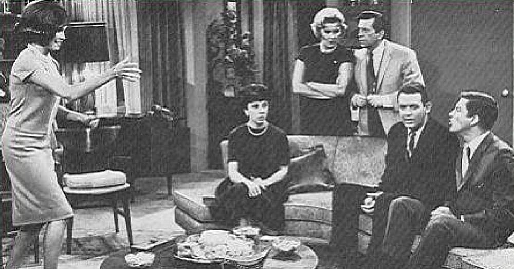 'Dick Van Dyke Show' Star Dies At 87
