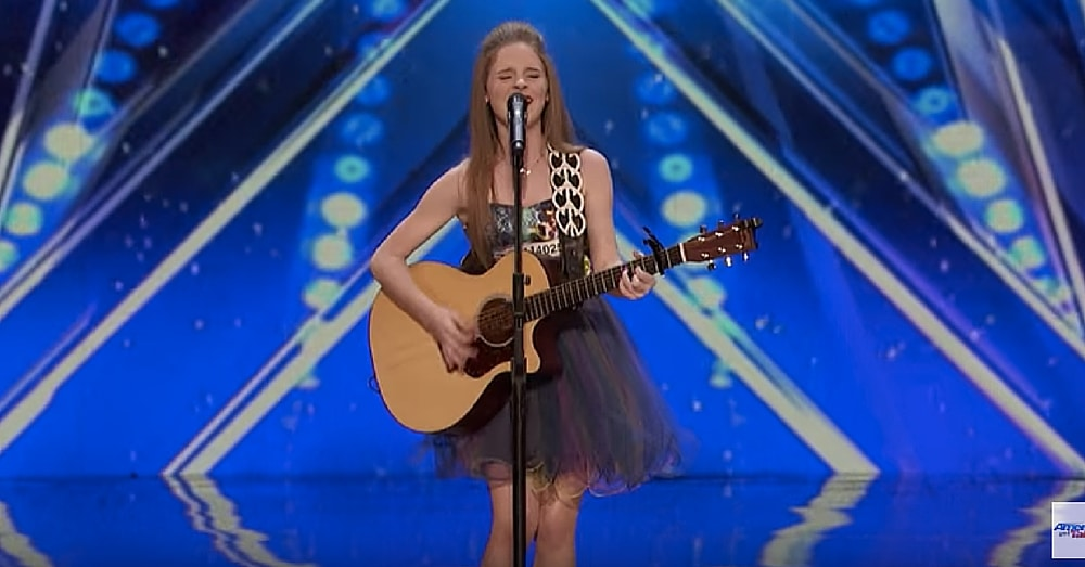 12-Yr-Old Takes Stage To Sing Country Classic. When She Opens Her Mouth…Simon's Eyes Pop