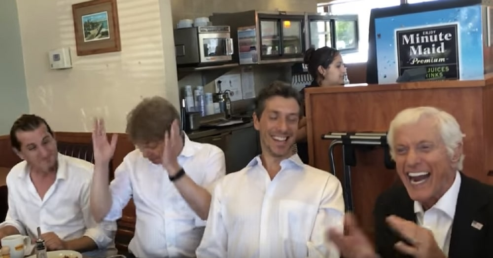Screen Legend Dick Van Dyke Charms Fellow Diners, Breaks Into Song At Denny's