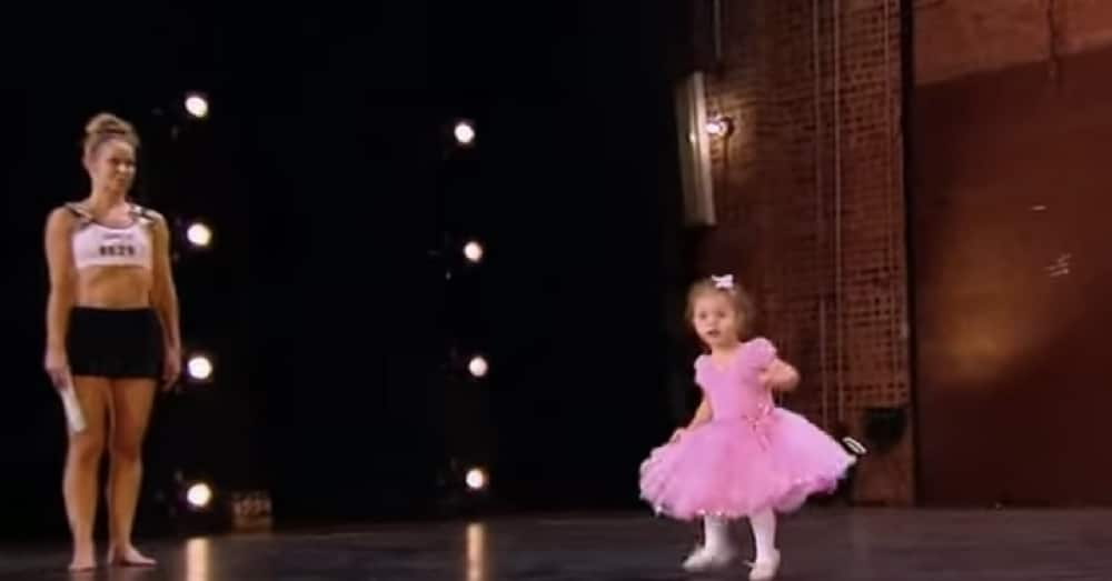 Adorable 2-Yr-Old Climbs On Stage During Mom's Audition. Now Keep Your Eyes On Her Feet…