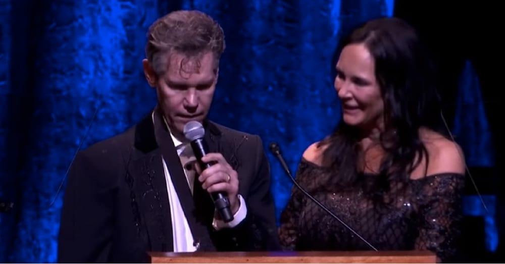 3 Years After Stroke Country Star Randy Travis Sings Hymn, Leaves Everyone In Tears