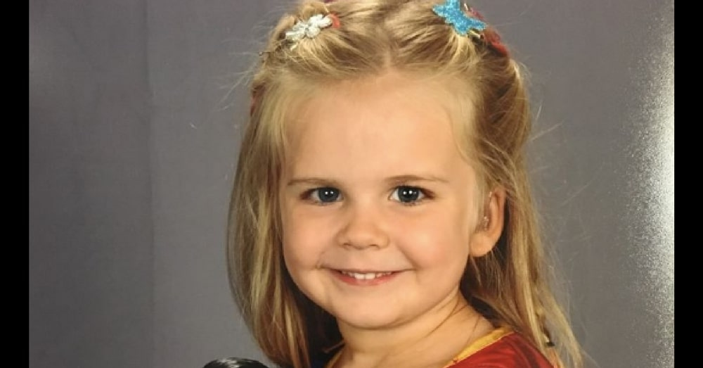Dad Lets Daughter Choose Own Outfit For Picture Day. Now That Photo Is Going Viral