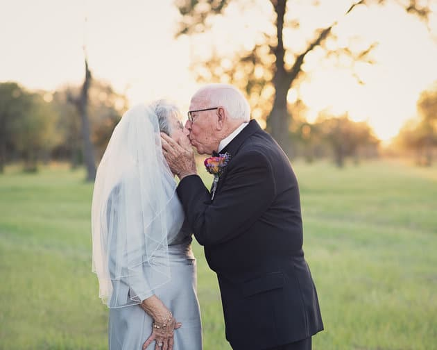 The couple's granddaughter organized a photo shoot to celebrate their 70-year marriage.  LARA CARTER PHOTOGRAPHY