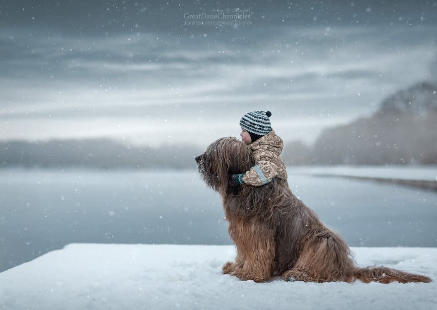 little-kids-big-dogs-photography-andy-seliverstoff-57-584fa981a2f8b__880