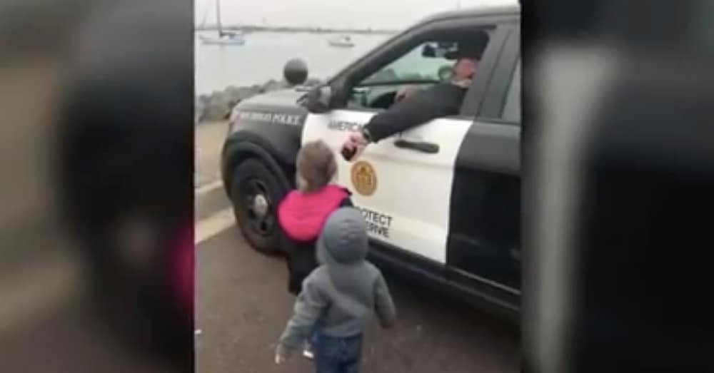 Cop Sees Kids Screaming For Their Dad. What He Does Next Leaves Their Mom In Tears