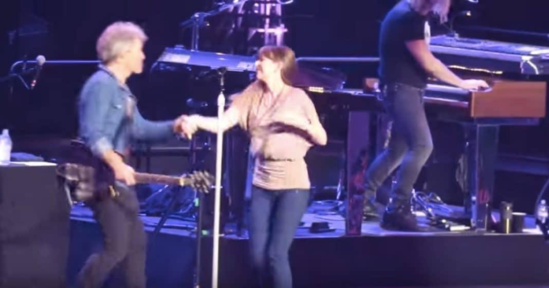 Jon Bon Jovi's Daughter Surprises Concert Goers With Sweet Onstage Dance