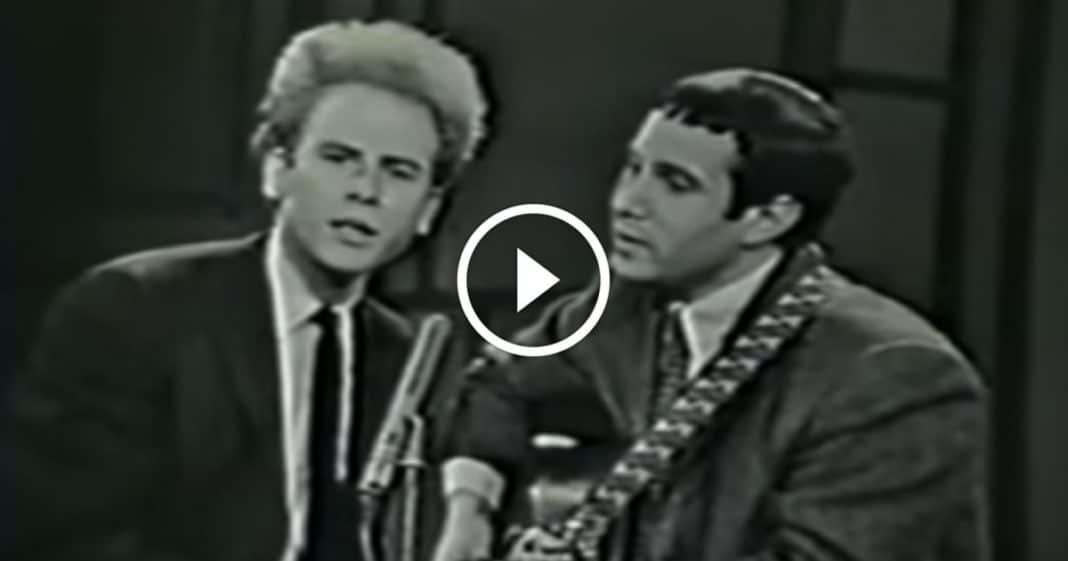 50 Years Later, Simon & Garfunkel Playing 'Sound Of Silence' Is Still One Of The Best Things Ever
