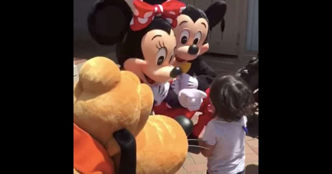Deaf Toddler's Reaction To Minnie Mouse Signing 'I Love You' Will Melt Your Heart