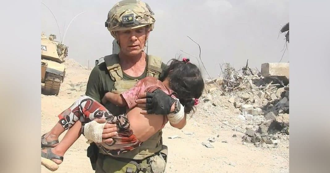 Watch Incredible Moment Special Forces Soldier Runs Through Gunfire To Save Girl From ISIS