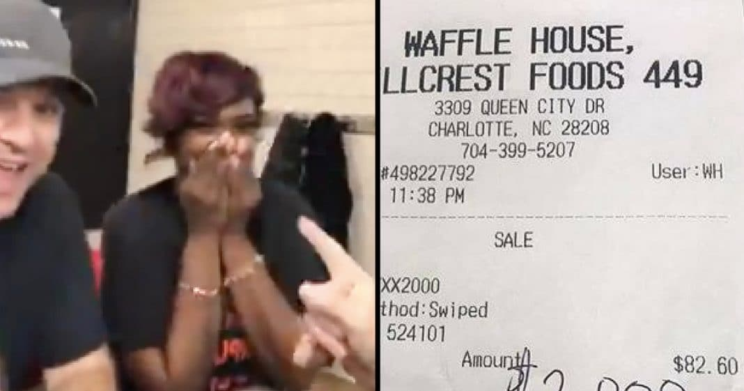Waitress Thinks Man At Table Looks Familiar…When She Picks Up Check She Almost Faints