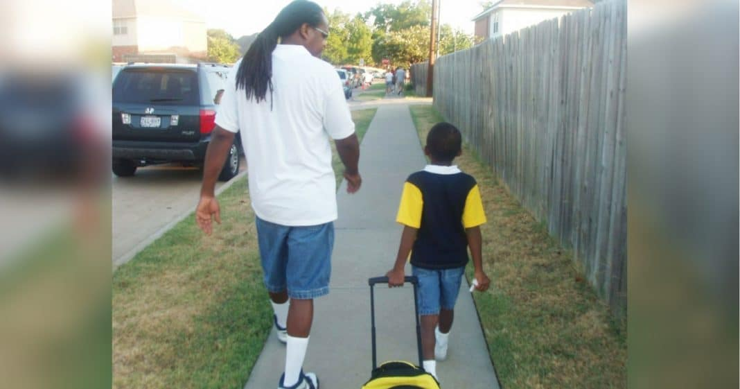 Mom Snaps Father-Son Photo On 1st Day Of Kindergarten. 13 Yrs Later Recreation Goes Viral