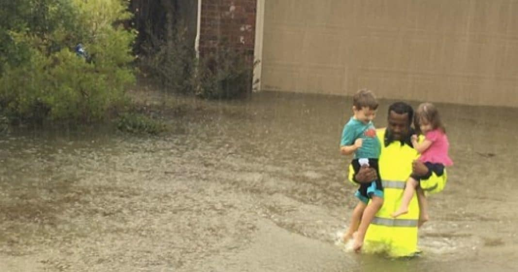 Deputy Knocks On Door As Flood Waters Rise, Then Realizes 3 Kids Are Trapped Inside
