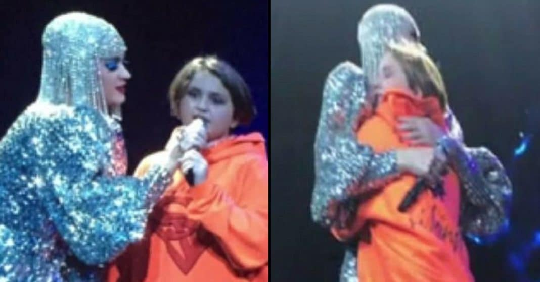 Katy Perry Calls 12-Yr-Old Onstage, Starts Sobbing When She Shares Wish For Autistic Sister