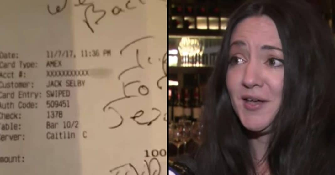 Man Asks Bartender Strange Question, Then She Sees The 5 Words Written On Check