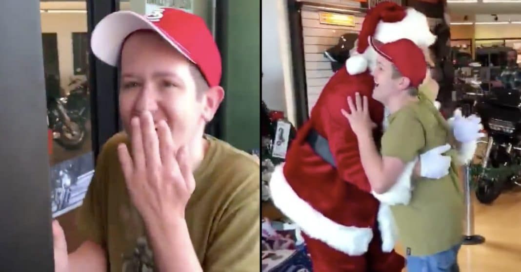 Special Needs Man's Reaction To Meeting Santa Is The Best Thing You've Seen All Year