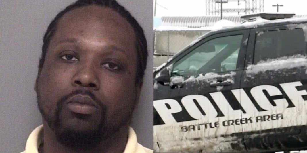 Ex Shows Up With 3-Foot-Long Sword & Stabs Mom Over 12 Times, Then 13-Yr-Old Son Steps In