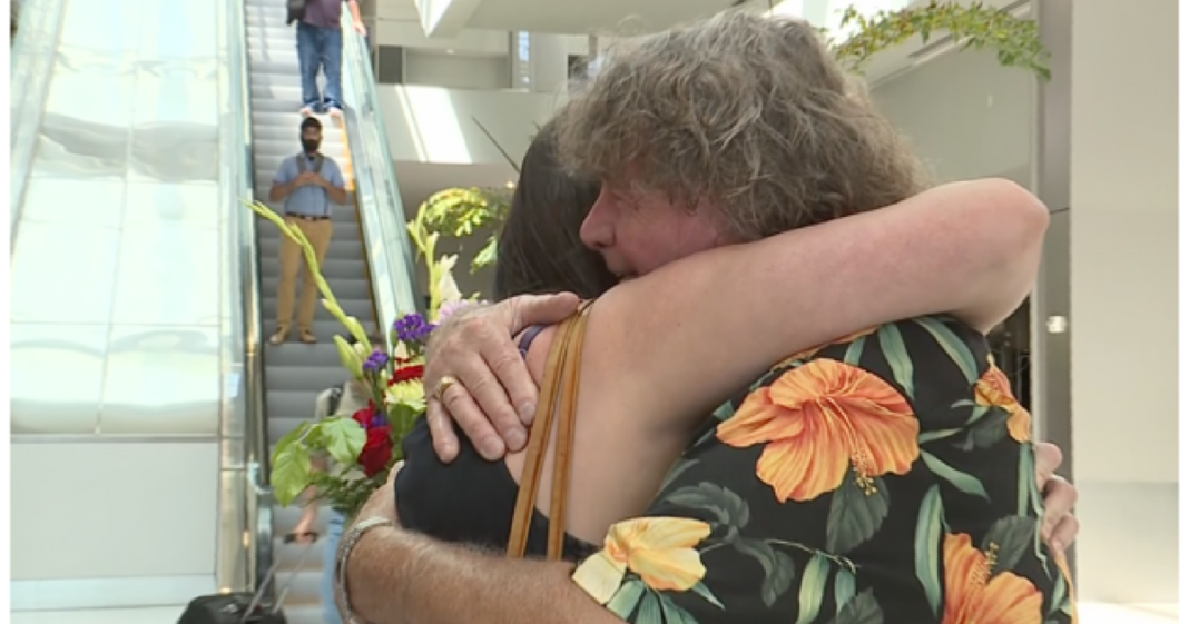 Man Briefly Dates Woman. 32 Yrs Later Holds Daughter He Never Knew About In His Arms For Very First Time