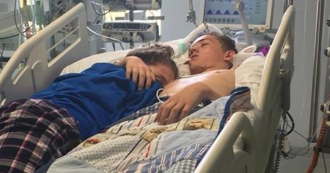 Teen girl says final goodbye to 16-year-old boyfriend who is then taken off life support
