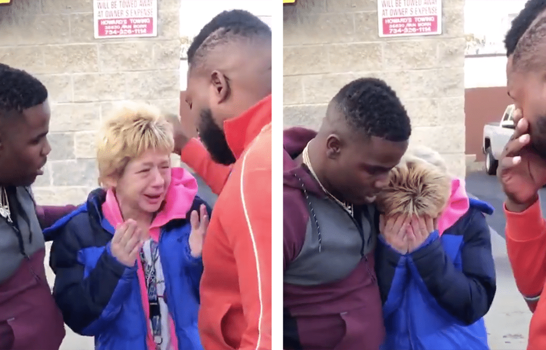 Stranger Gives Struggling Widow Money After He Watches Her Pay For Gas Using Pennies