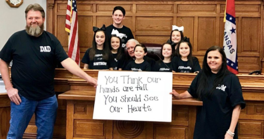 Just In Time For Christmas.7 Siblings Adopted By Couple Just In Time For Christmas