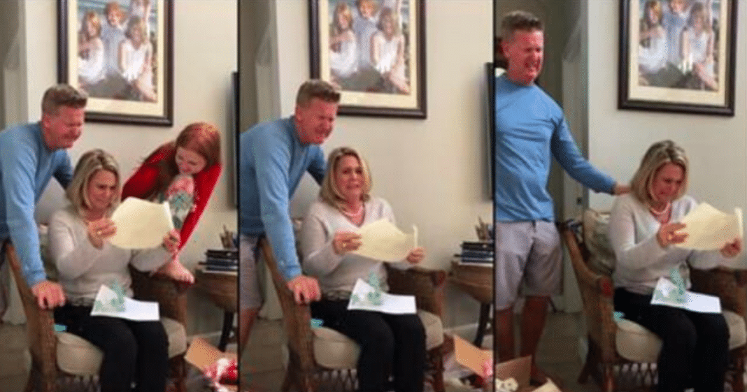 Age 21 Son Uses His First Paycheck To Pay Off His Parents' Entire Mortgage For Christmas